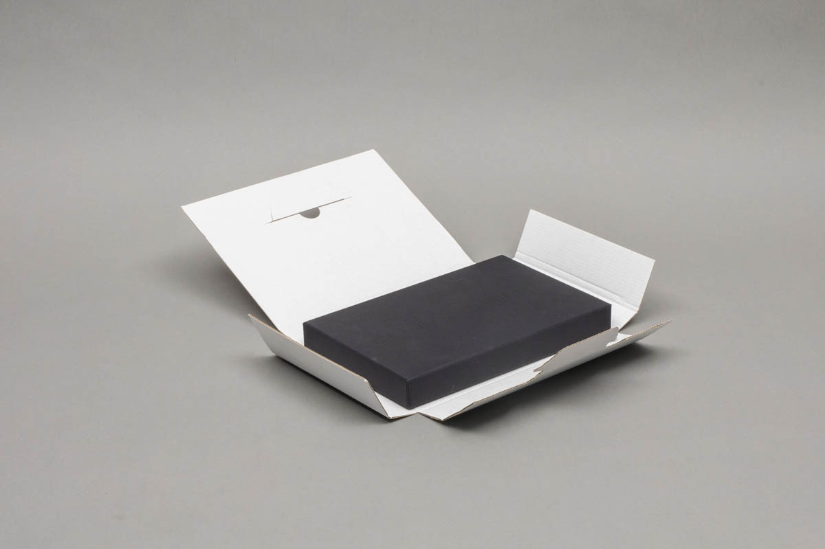 E-commercedozen - e-commerdoos omkleefde bodem en deksel en omverpakking